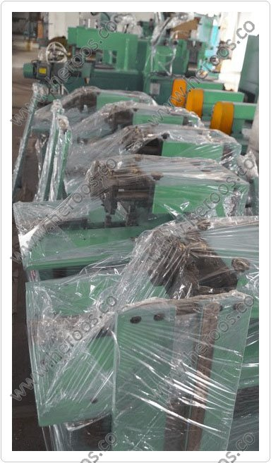 Double Knives Cut Machine for Gaskets 2
